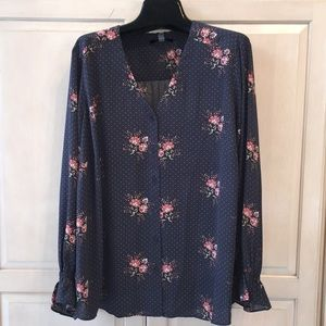 T Tahari Floral button front cuff Ladies blouse